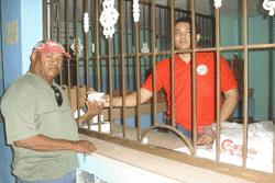Fundacam realiza una importante labor social a favor de los necesitados